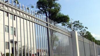 Забор из профильной трубы — от фундамента до сварки