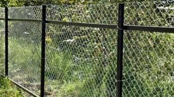 Ворота на даче из сетки рабицы