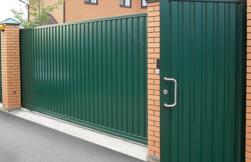 Зеленые ворота из профлиста