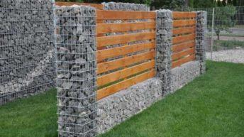 Забор из камней в сетке (габион): оригинально и надежно