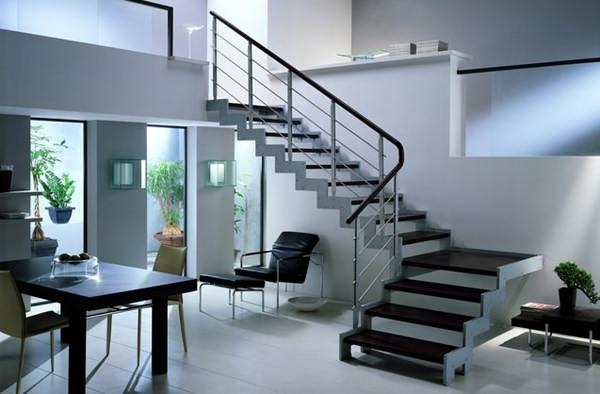 Перила лестницы в стиле хай-тек