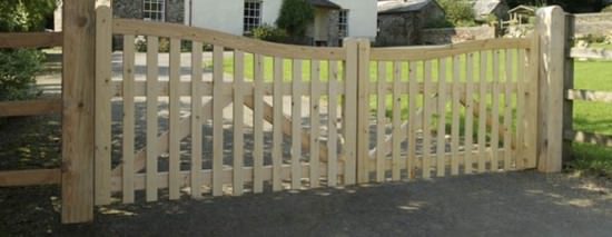 Дачный забор из штакетника