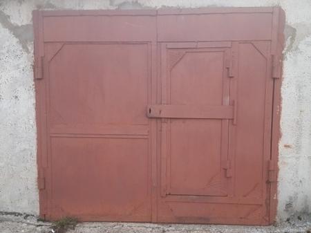 Распашные ворота для гаража сварные из металла