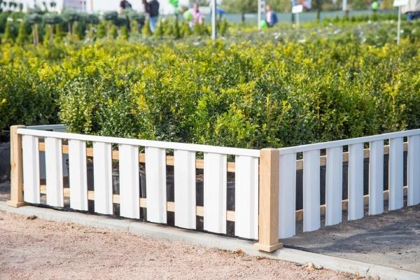 Забор для палисадника из евроштакетника