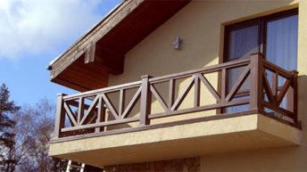 Разновидности перил для балкона и способы их установки