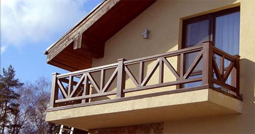 Деревянные балконные перила