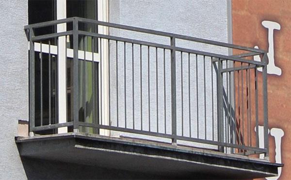 Перила балкона из металла