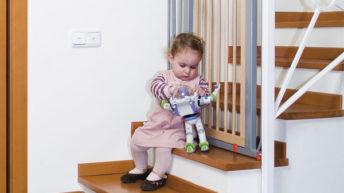 Обустройство ограждения для лестницы от детей