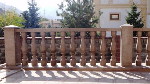 Балясины веранды из гранита