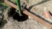 Как правильно залить столбы для установки ворот и забора